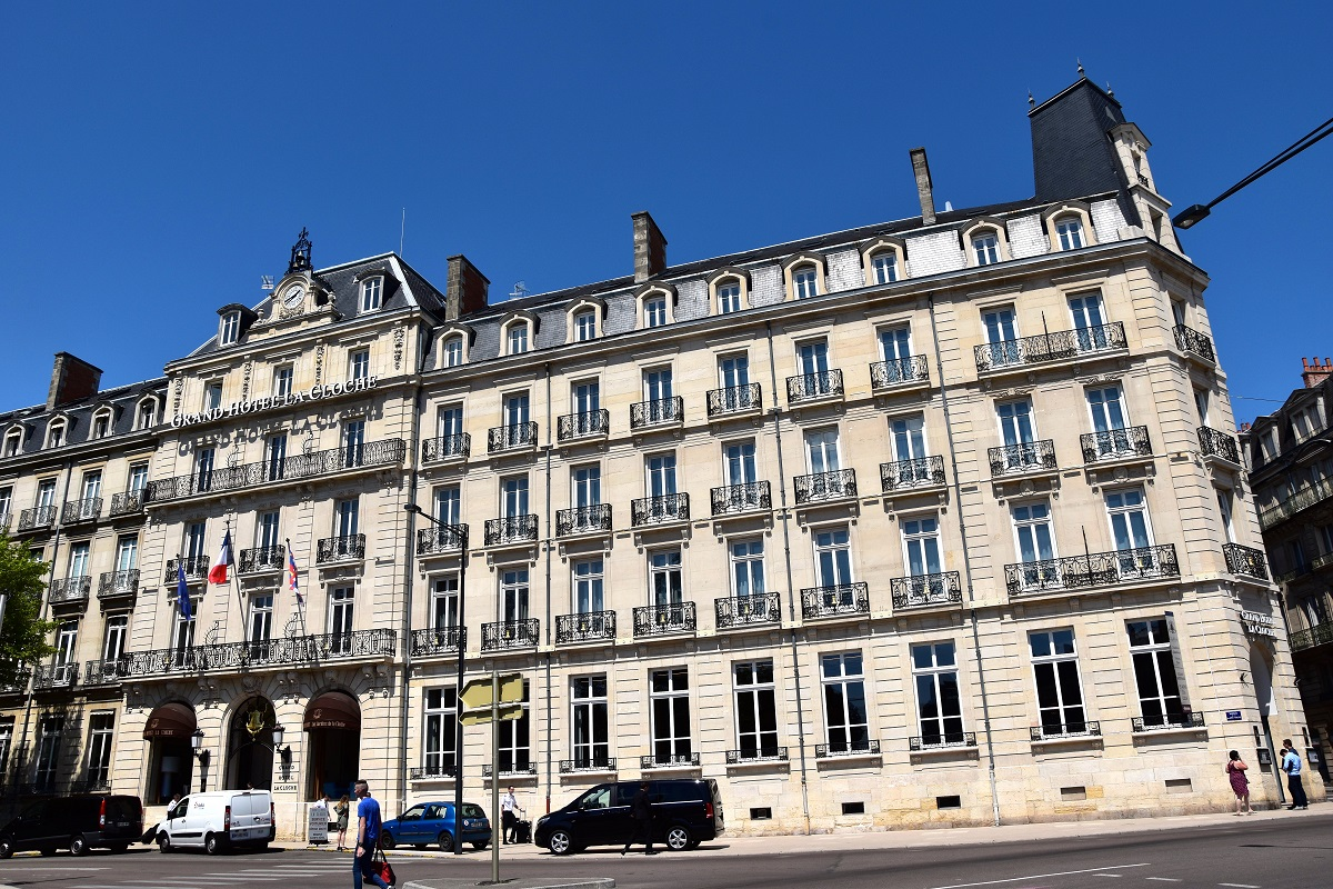 Dijon parenth se enchant e au grand h tel la cloche for Daily hotel
